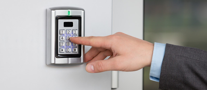 Top 5 Reasons You Should Install Electronic Locks